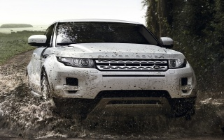 White Range Rover Evoque Off-road wallpapers and stock photos