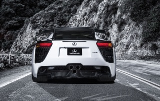 2013 Lexus LFA Nurburgring White Edition estático trasero wallpapers and stock photos