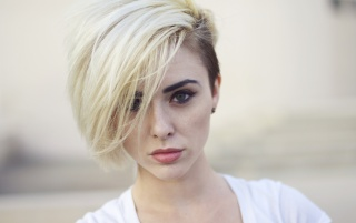 Random: Beautiful Blonde Alysha Nett