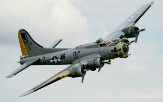 Boeing B-17G Flying Fortress wallpapers and stock photos