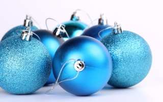 Random: Blue Christmas Tree Ornaments