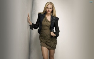 Previous: Gorgeous Candice Accola