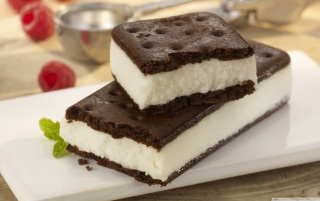 Vanilla Ice Cream Sandwich wallpapers and stock photos