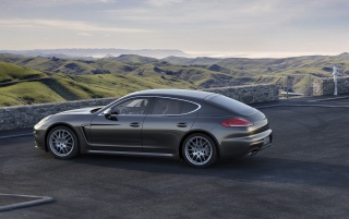 2014 Porsche Panamera Preview 4S Side wallpapers and stock photos