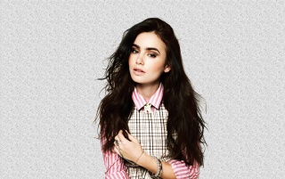 Random: Beautiful Lily Collins