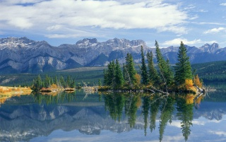 Talbot Lake wallpapers and stock photos