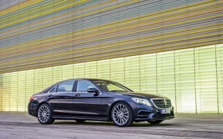 2013 Mercedes Benz S Class Static Side Angle wallpapers and stock photos
