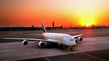Fly Emirates Airbus A380-800 wallpapers and stock photos