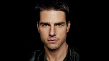 Random: Tom Cruise Close-up