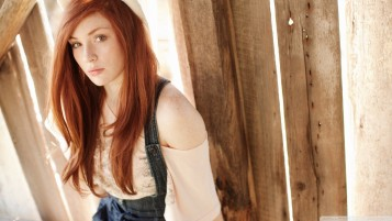 Redhead in the Barn wallpapers and stock photos