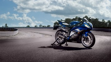 Blue Yamaha R6 wallpapers and stock photos