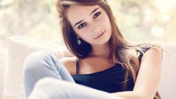 Beautiful Girl wallpapers and stock photos