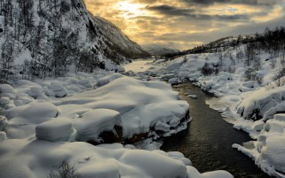 Magnificent Winter Fluss wallpapers and stock photos