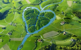Heart River Grass Green wallpapers and stock photos