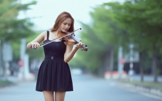 Violín Chica wallpapers and stock photos