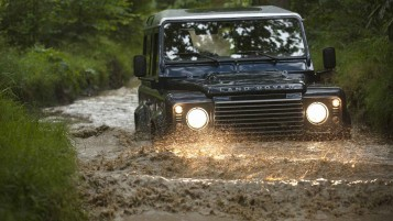 Land Rover Defender wallpapers and stock photos