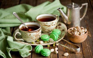 Pistachio Macarons & Tea wallpapers and stock photos