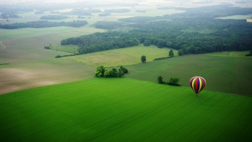 Random: Balloon & Beautiful Landscape
