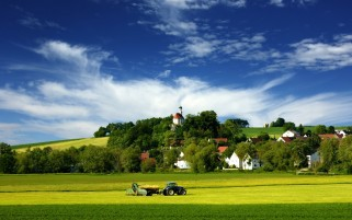 Tractor Village & Country wallpapers and stock photos