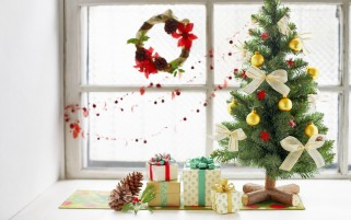 Miniature Christmas wallpapers and stock photos