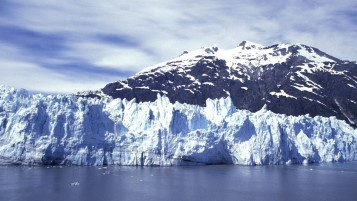 Sky Mountain Ice Bergs Lake wallpapers and stock photos
