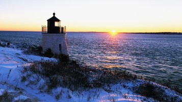Sun Light House Ozean Winter- wallpapers and stock photos