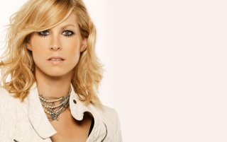 Previous: Jenna Elfman