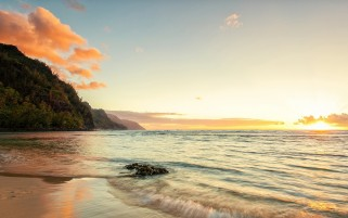 Kauai Beach Hawaii wallpapers and stock photos