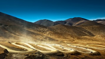 Desert Racing Roads wallpapers and stock photos