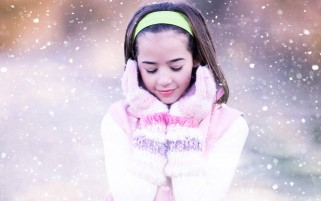 Snowing wallpapers and stock photos