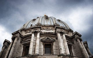 St Peter's Basilica wallpapers and stock photos