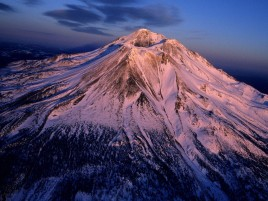 Mount Shasta Volcano Usa wallpapers and stock photos