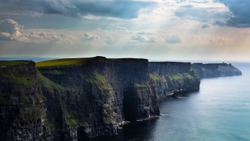 Acantilados de Moher Irlanda wallpapers and stock photos