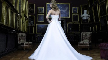 Woman Wedding Dress wallpapers and stock photos
