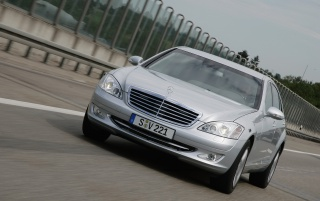 Mercedes Benz S600 wallpapers and stock photos