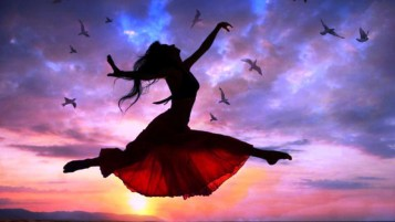Mujer Sunset Gratis Flying Birds wallpapers and stock photos