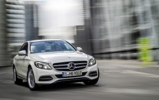 2014 Mercedes-Benz C-Class C250 BlueTec Avantgarde Motion wallpapers and stock photos