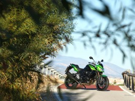 Kawasaki Z750R wallpapers and stock photos