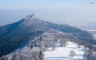 Burg Hohenzollern Deutschland wallpapers and stock photos