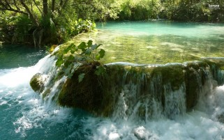 Plitvice Lake Croatia wallpapers and stock photos