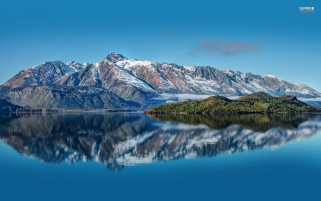 Pyramid Lake New Zealand wallpapers and stock photos