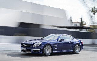 Next: Blue Mercedes-Benz SL AMG