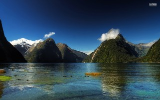 Milford Sound New Zealand wallpapers and stock photos