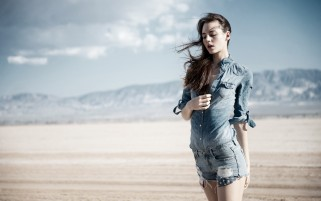 Random: Brunette Model in the Desert