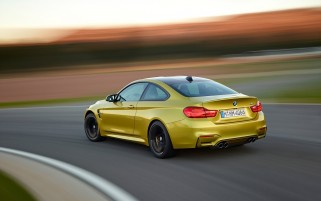 Random: 2014 BMW M4 Coupe Motion Rear Angle