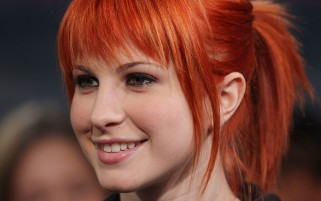 Random: Hayley Williams Close-up