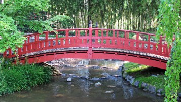 Japanese Bridge wallpapers and stock photos