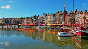 Port of Honfleur wallpapers and stock photos