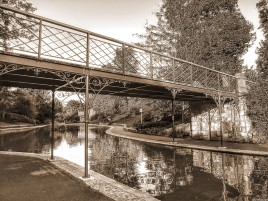 Previous: Bridge in sepia