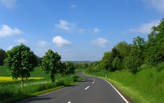 Random: Pretty Scenery & Road